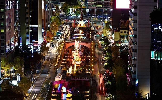 Rực rỡ lễ hội đèn lồng ở suối Cheonggye